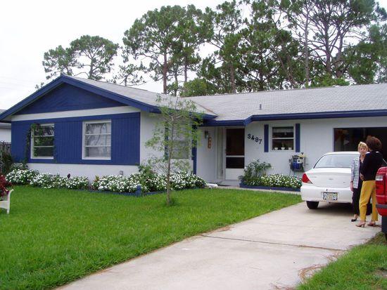 3497 Chickasaw Cir, Greenacres, FL 33467
