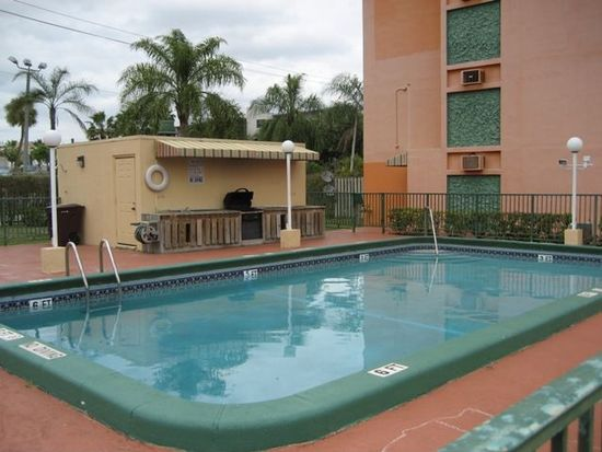 16450 NW 2nd Ave APT 306, Miami, FL 33169