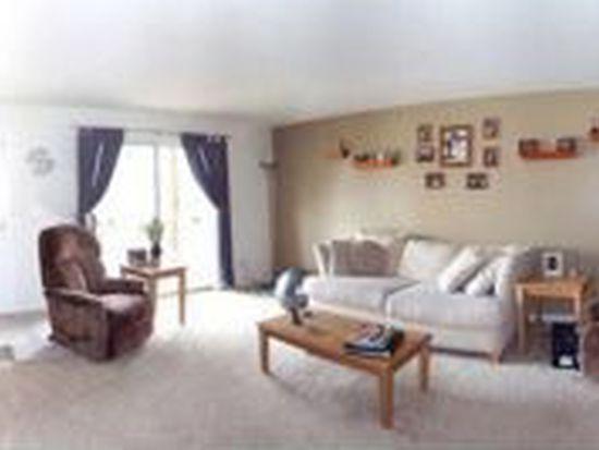 5215 Glenbrook Trl, Mchenry, IL 60050