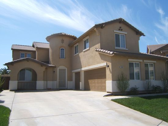 1360 Thoroughbred St, Patterson, CA 95363