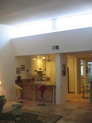 2538 N Whitewater Club Dr UNIT C, Palm Springs, CA 92262