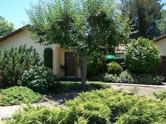 195 Oak Tree Dr, Santa Rosa, CA 95401