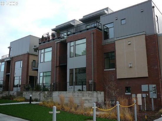 1632 NW Riverscape St, Portland, OR 97209