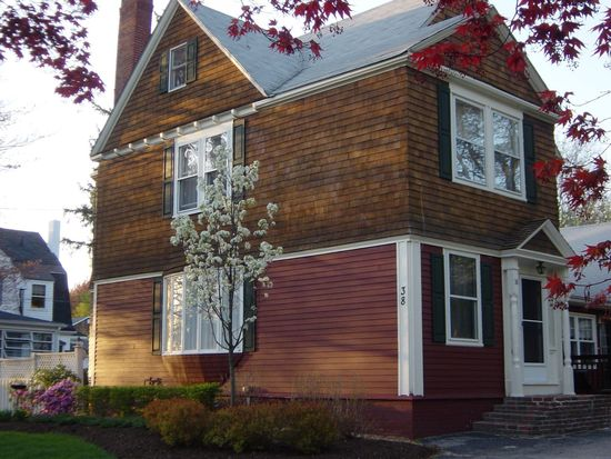 38 Lakeview Ave, Haverhill, MA 01830