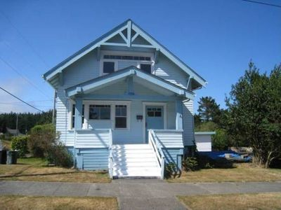 1096 Commercial Ave Coos Bay Or 97420 Zillow