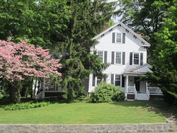 5 bed 2 bath Single Family at 1633 Centre St West Roxbury, MA, 02132 is for sale at 0 - 1 of 15