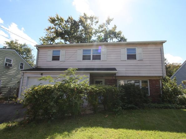 3 bed 2 bath Single Family at 686 W Milton Ave Rahway, NJ, 07065 is for sale at 289k - 1 of 11