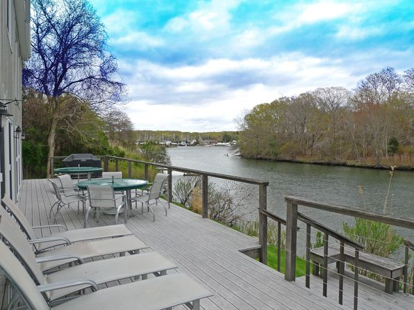 4 bed 3 bath Single Family at 10 Oyster Shores Rd East Hampton, NY, 11937 is for sale at 3.25m - google static map