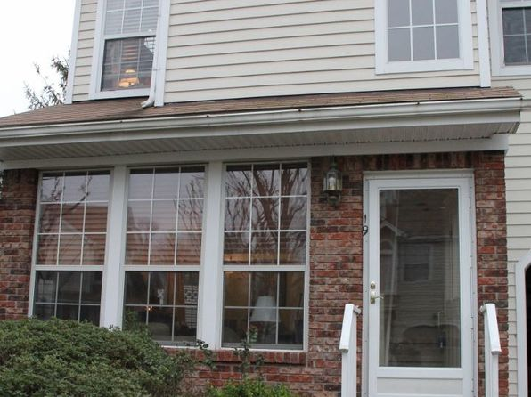 2 bed 2 bath Townhouse at 19 High Pond Ln Bedminster, NJ, 07921 is for sale at 310k - 1 of 15