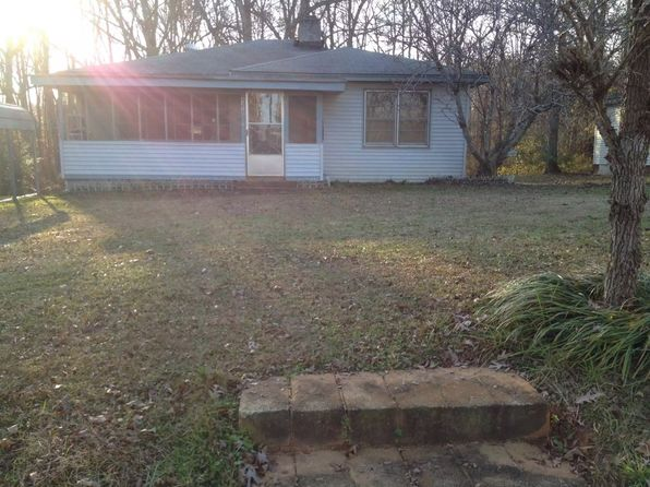 3 bed 1 bath Single Family at 425 Newcastle Rd Greenwood, SC, 29649 is for sale at 63k - 1 of 33