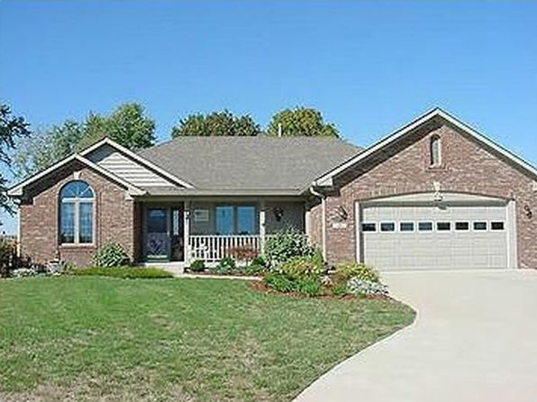 3 bed 2 bath Single Family at 318 Carol Ct Bargersville, IN, 46106 is for sale at 172k - 1 of 16