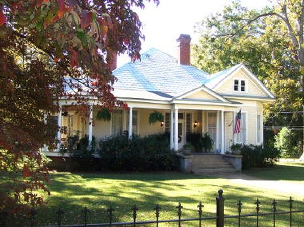 3 bed 2 bath Single Family at 203 Clay St Marion, AL, 36756 is for sale at 175k - 1 of 18