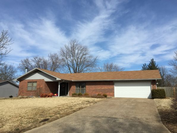 3 bed 2 bath Single Family at 1705 Countryside Dr Pittsburg, KS, 66762 is for sale at 149k - 1 of 39