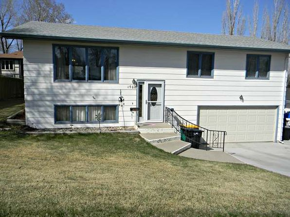 3 bed 2 bath Single Family at 1708 Masterson Ave Bismarck, ND, 58501 is for sale at 217k - 1 of 47