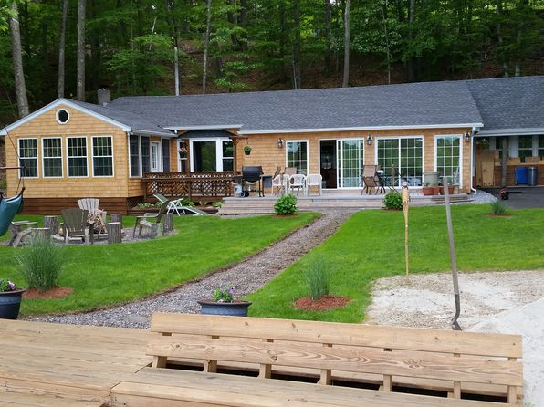 4 bed 1 bath Single Family at 1239 THOMPSON RD THOMPSON, CT, 06277 is for sale at 400k - 1 of 55