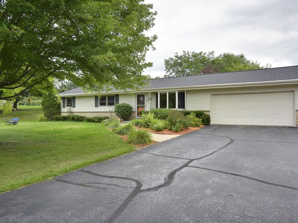 3 bed 2 bath Single Family at 7148 Town Line Rd West Bend, WI, 53090 is for sale at 240k - 1 of 22