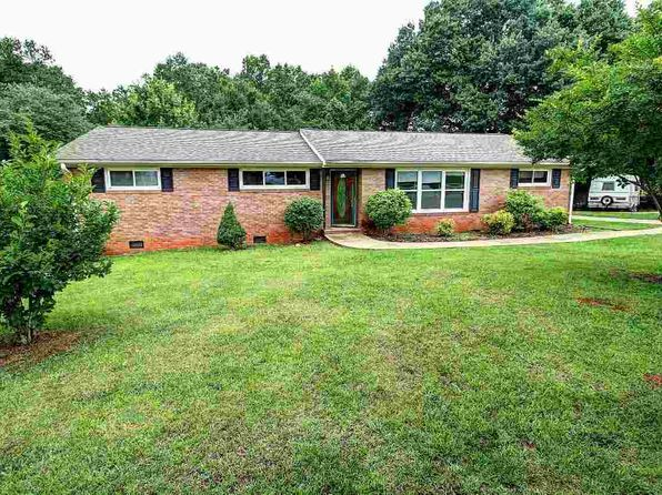 3 bed 2 bath Single Family at 113 Stribling Cir Spartanburg, SC, 29301 is for sale at 130k - 1 of 25