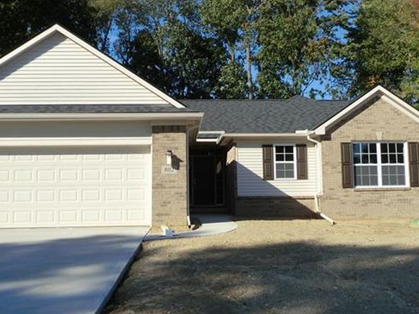 3 bed 2 bath Single Family at 283 Dakota Ln White Lake, MI, 48386 is for sale at 290k - 1 of 17