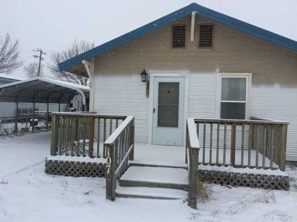 2 bed 1 bath Single Family at 107 Main St Filer, ID, 83328 is for sale at 85k - 1 of 5