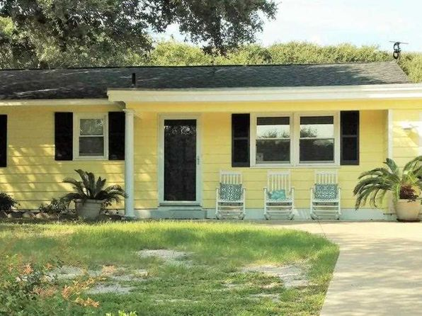 3 bed 3 bath Single Family at 258 Salter Path Rd Pine Knoll Shores, NC, 28512 is for sale at 280k - 1 of 54