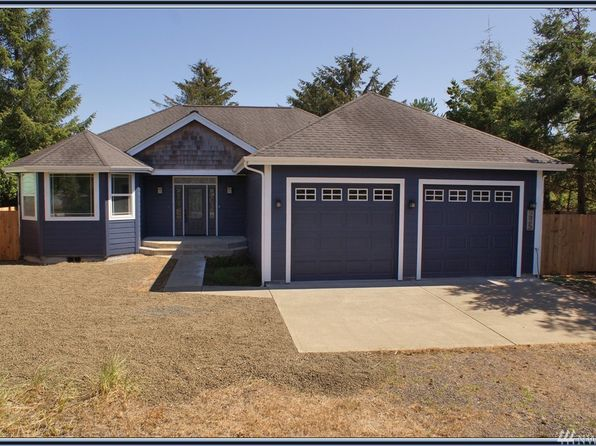 2 bed 2 bath Single Family at 225 S Wynoochee Dr SW Ocean Shores, WA, 98569 is for sale at 265k - 1 of 6