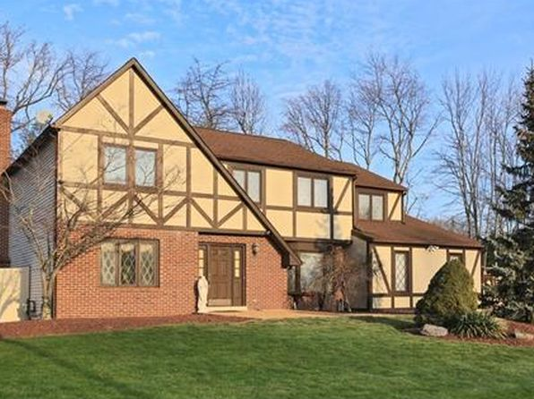 4 bed 3 bath Single Family at 7 Castle Ct North Brunswick, NJ, 08902 is for sale at 540k - 1 of 22