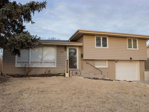 4 bed 2 bath Single Family at 2705 Willow St Hays, KS, 67601 is for sale at 194k - 1 of 32