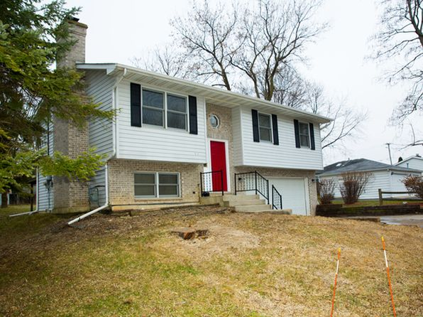 3 bed 2 bath Single Family at 528 Park Rd Lakemoor, IL, 60051 is for sale at 168k - 1 of 14