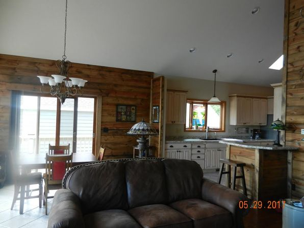 2 bed 2 bath Single Family at 730 Shore Acres Rd La Crescent, MN, 55947 is for sale at 365k - 1 of 28