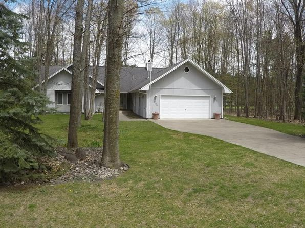 3 bed 3 bath Single Family at 1886 Michaywe Dr Gaylord, MI, 49735 is for sale at 225k - 1 of 34