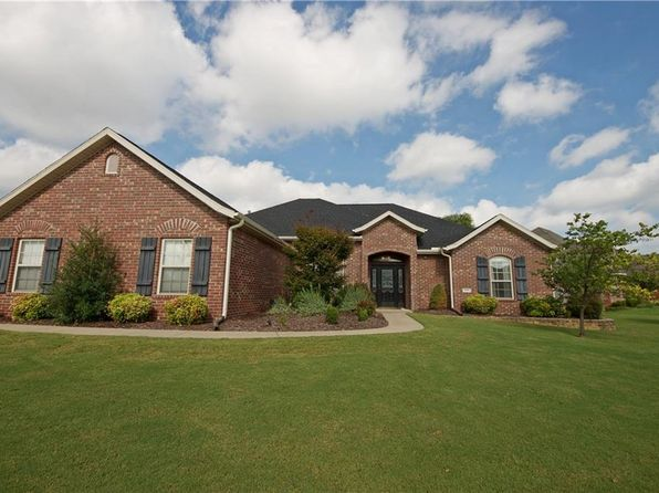 4 bed 3 bath Single Family at 4004 SW Sycamore St Bentonville, AR, 72712 is for sale at 274k - 1 of 18