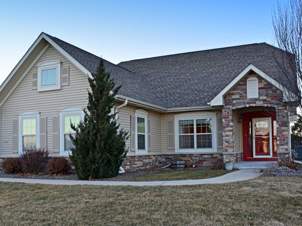 3 bed 2 bath Single Family at 8187 S Shadwell Cir Franklin, WI, 53132 is for sale at 325k - 1 of 23