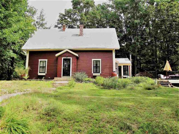 3 bed 2 bath Single Family at 14 S Main St Newton, NH, 03858 is for sale at 280k - 1 of 18