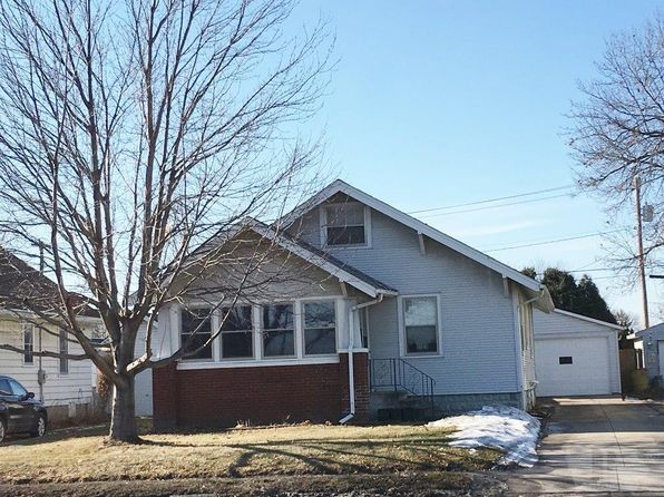 2 bed 1 bath Single Family at 1121 S Center St Marshalltown, IA, 50158 is for sale at 80k - 1 of 16