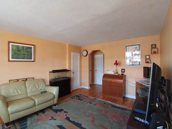 1 bed 1 bath Cooperative at 20506 35th Ave Bayside, NY, 11361 is for sale at 235k - 1 of 7