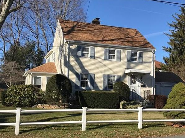 3 bed 1.5 bath Single Family at 35 3rd St Norwood, MA, 02062 is for sale at 470k - 1 of 28