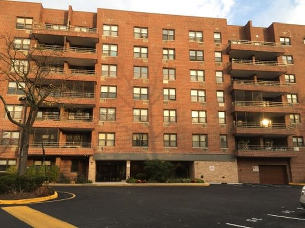 1 bed 1 bath Cooperative at 70 Barker Street 709 Mount Kisco, NY, 10549 is for sale at 100k - 1 of 23