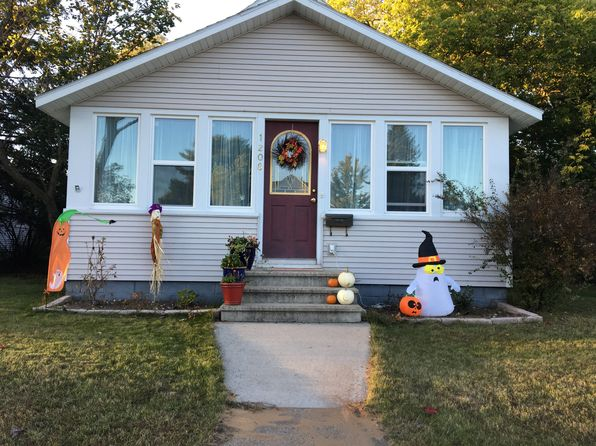 4 bed 2 bath Single Family at 1208 Delta Ave Gladstone, MI, 49837 is for sale at 95k - 1 of 23