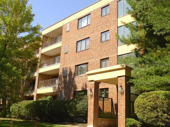 1 bed 1 bath Condo at 12 Ledgewood Way Peabody, MA, 01960 is for sale at 270k - 1 of 30