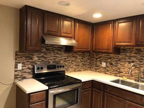 2 bed 1 bath Single Family at 6107 Center Mall Way Sacramento, CA, 95823 is for sale at 199k - 1 of 6
