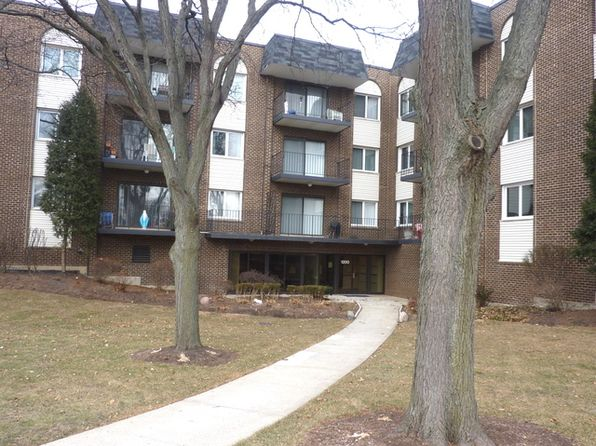 2 bed 2 bath Condo at 1200 W Northwest Hwy Mount Prospect, IL, 60056 is for sale at 168k - 1 of 14