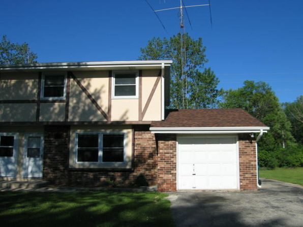 3 bed 2 bath Condo at W156N10966 Catskill Ln Germantown, WI, 53022 is for sale at 146k - 1 of 5