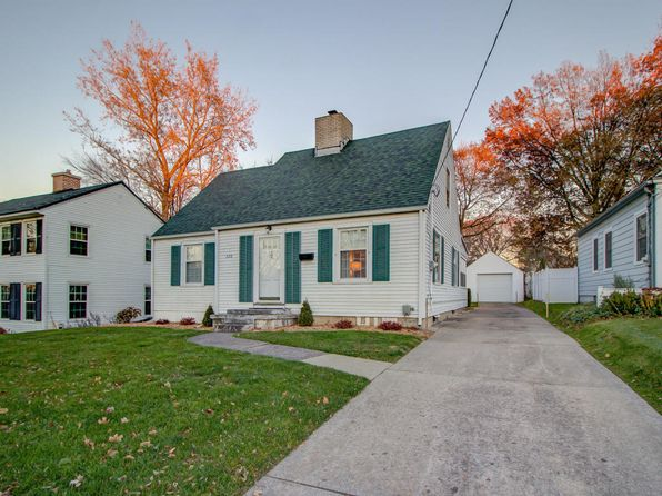 4 bed 2 bath Single Family at 320 LAWNDALE AVE NE GRAND RAPIDS, MI, 49503 is for sale at 205k - 1 of 30