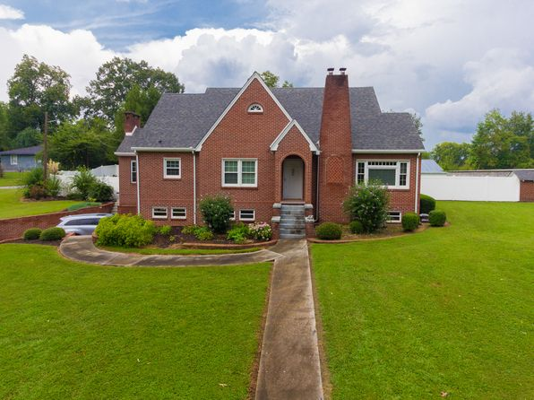 4 bed 2 bath Single Family at 2505 S Dixie Hwy Dalton, GA, 30720 is for sale at 420k - 1 of 36