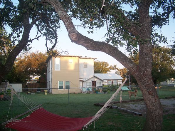 2 bed 2 bath Single Family at 181 David St Brownwood, TX, 76801 is for sale at 57k - 1 of 6