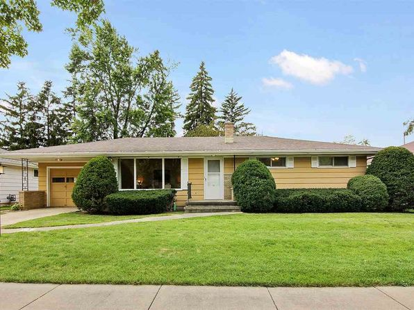 2 bed 2 bath Single Family at 1737 N Outagamie St Appleton, WI, 54914 is for sale at 118k - 1 of 16