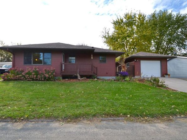 3 bed 1 bath Single Family at 112 Manor Ave Goodhue, MN, 55027 is for sale at 136k - 1 of 17