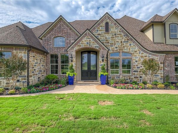 5 bed 5 bath Single Family at 101 Lace Ln Burleson, TX, 76028 is for sale at 739k - 1 of 36