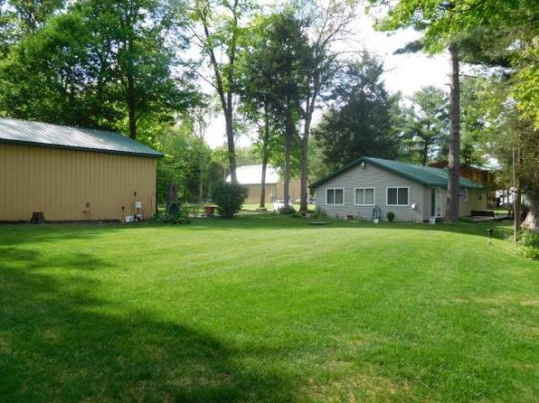 2 bed 1 bath Single Family at 7966 Main St Newaygo, MI, 49337 is for sale at 225k - 1 of 8