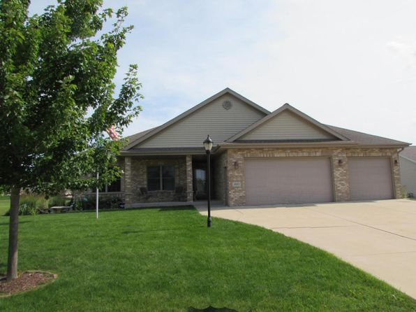 3 bed 3 bath Single Family at 803 Meadowgate Dr Waterford, WI, 53185 is for sale at 330k - google static map